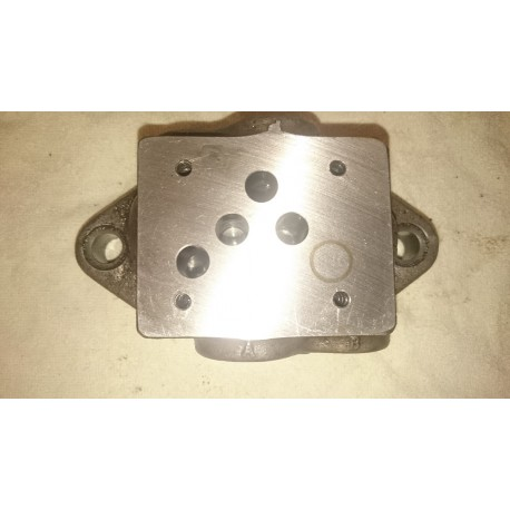cetop 5 manifold block with 3/8 bsp ports size 10 subplate
