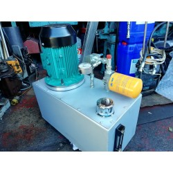 2.2kw hydraulic power pack 3 phase 12 lpm at 1500 psi